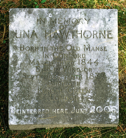 Grave marker for Una Hawthorne at Sleepy Hollow Cemetery