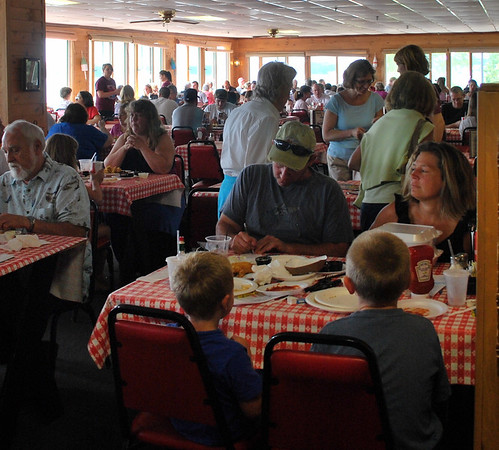 Lots of folks enjoying lunch at Newick's