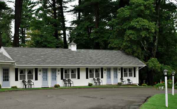 View of the rooms at the Pondside Motel