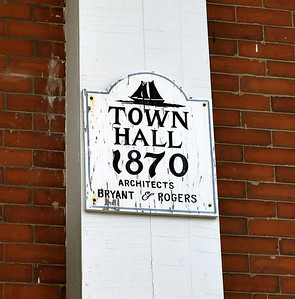 Gloucester City Hall Plaque