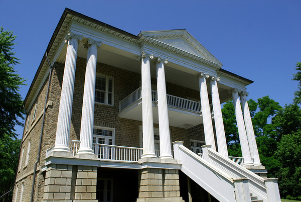 Constructed in the Greek Revival style of architecture then at its height in North America for such grand houses, Willowbank is regarded as one of the finest remaining examples of such buildings on the continent.