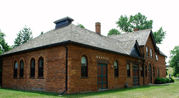 The Niagara Pumphouse Visual Art Centre is housed in the former Niagara Pumphouse, a Victorian brick building built in 1891 on the banks of the Niagara River. It housed pumps and filter tanks supplying water to the town of Niagara-on-the-Lake until 1983.